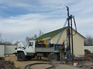 Бурильная установка Вектор ВР-3.350 в работе